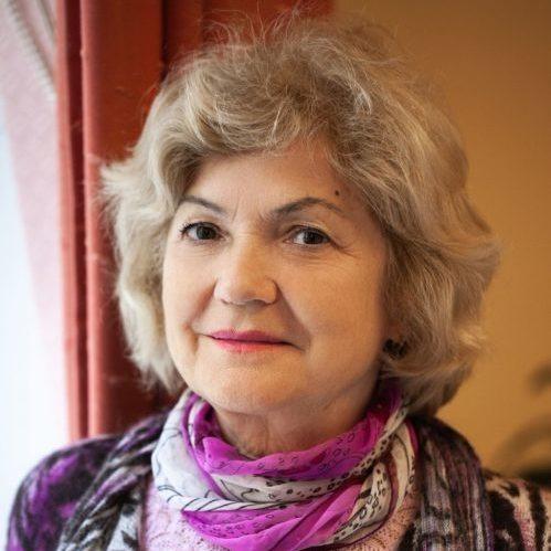 Брагина Любовь Григорьевна - руководитель Центра, семейный психолог