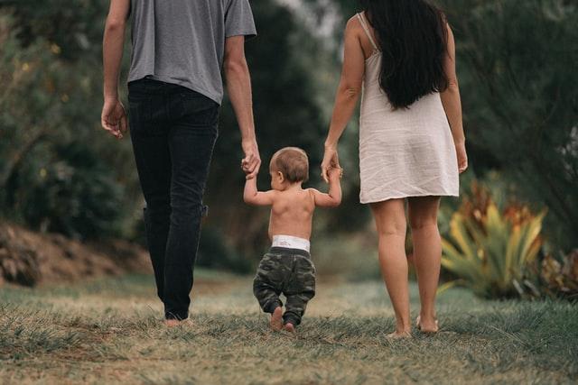 Мать-дитя-отец