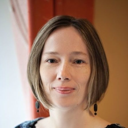 Леонтьевна Диана - руководитель кризисной службы телефона доверия, детский психолог